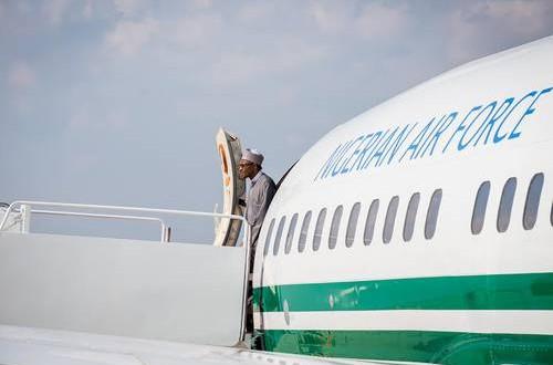 Buhari_exiting_plane