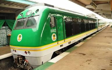 Nigeria-Railways-Launches-Air-Conditioned-Train-In-Lagos-1