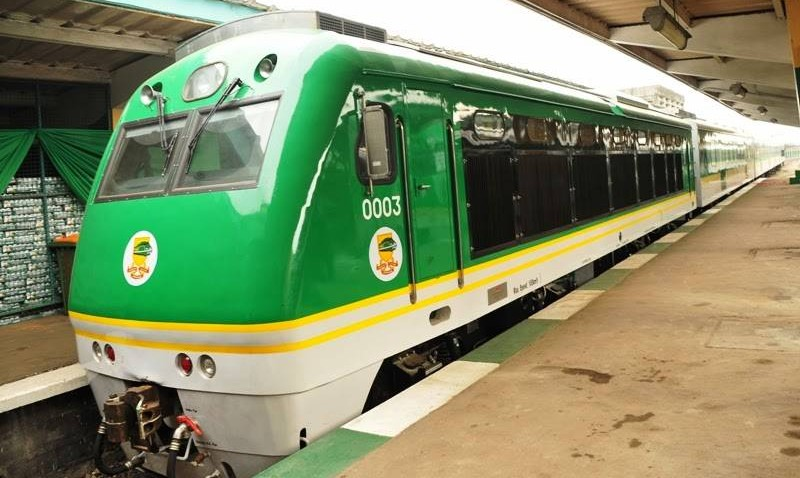 Nigeria-Railways-Launches-Air-Conditioned-Train-In-Lagos-1