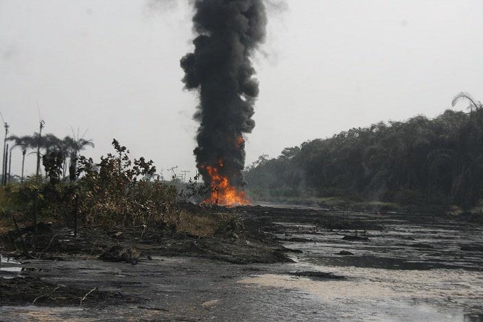 Pipeline-vandals-074