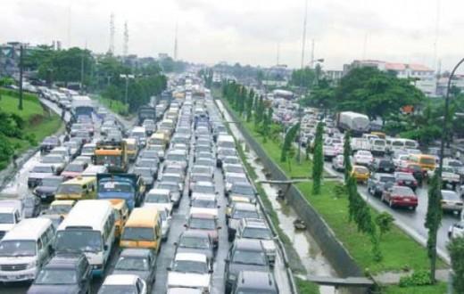 Traffic gridlock Ibadan-Lagos Expressway