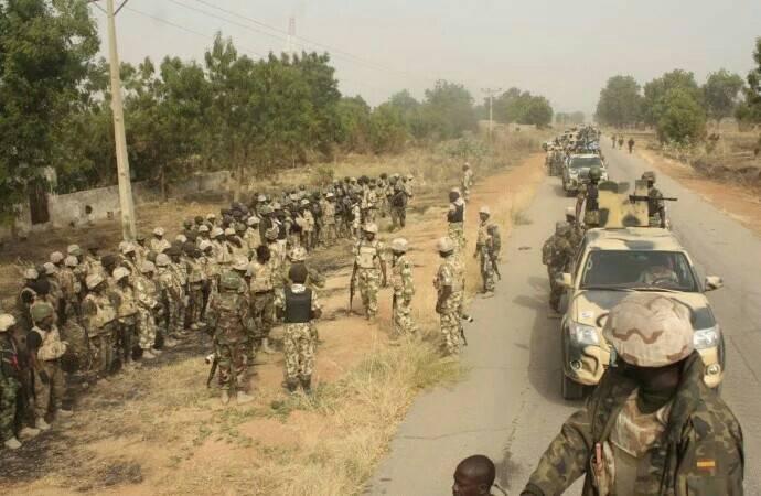 sambisa-nigerin-troops-boko-har0~01