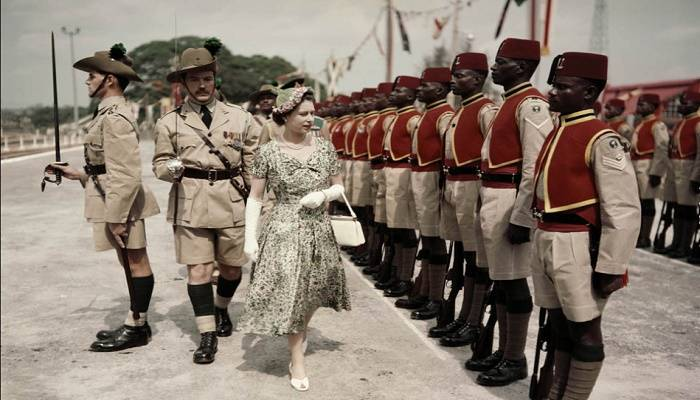 Queen Elizabeth II inspects men of the newly-renamed Queen's Own Nigeria Regiment, Royal West African Frontier Force, at Kaduna Airport, Nigeria, during her Commonwealth Tour, 2nd February 1956. (Photo by Fox Photos/Hulton Archive/Getty Images)